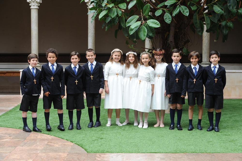 El Colegio Real Monasterio de Santa Isabel de Barcelona celebra sus Primera Comuniones